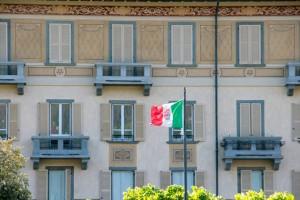 Condominio Unitas Lovere - Piccinelli Serramenti ristrutturazioni finestre (6)
